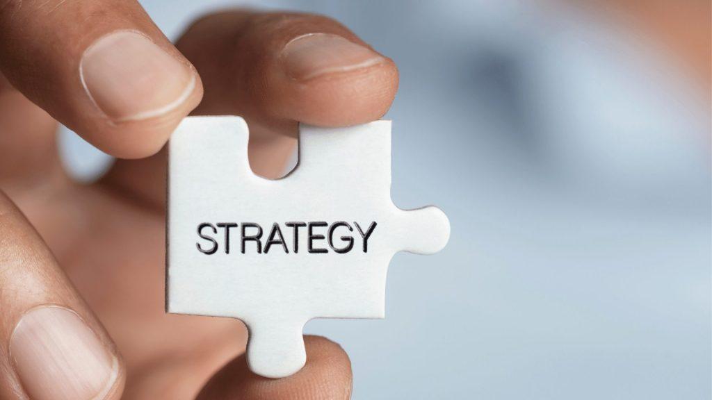 strategyと書かれたパズル